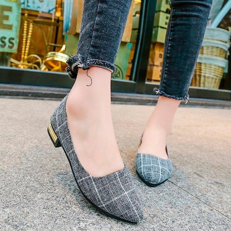 Taille 35-42 Nouveau Printemps Automne Femmes simples Chaussures British Fashion Grille Chaussures Femme Casual Toe Flat Pointu Respirant tissu
