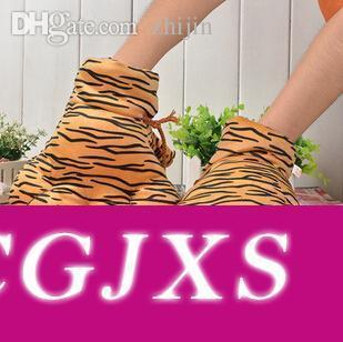 Guantes al por mayor -Recientemente Tiger manera del invierno más el terciopelo animal Garra / Guantes para hombres de las mujeres del leopardo del envío gratuito