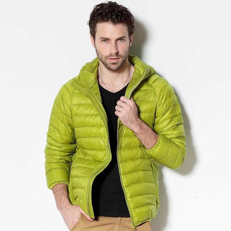 Aşağı Jacket 2020 Yeni Taşınabilir Kapşonlu Aşağı Coat Ultralight Erkekler Kış Coat Sıcak Termal Aşağı Parkas 4XL 5XL 6XL Duck Erkekler Beyaz