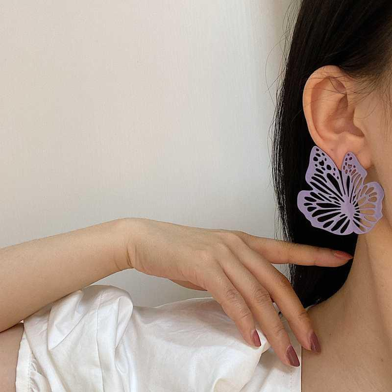 2020 New Estate multicolore bianco della vernice metallica esagera Grande Farfalla Hollow asimmetria orecchini per i monili delle donne