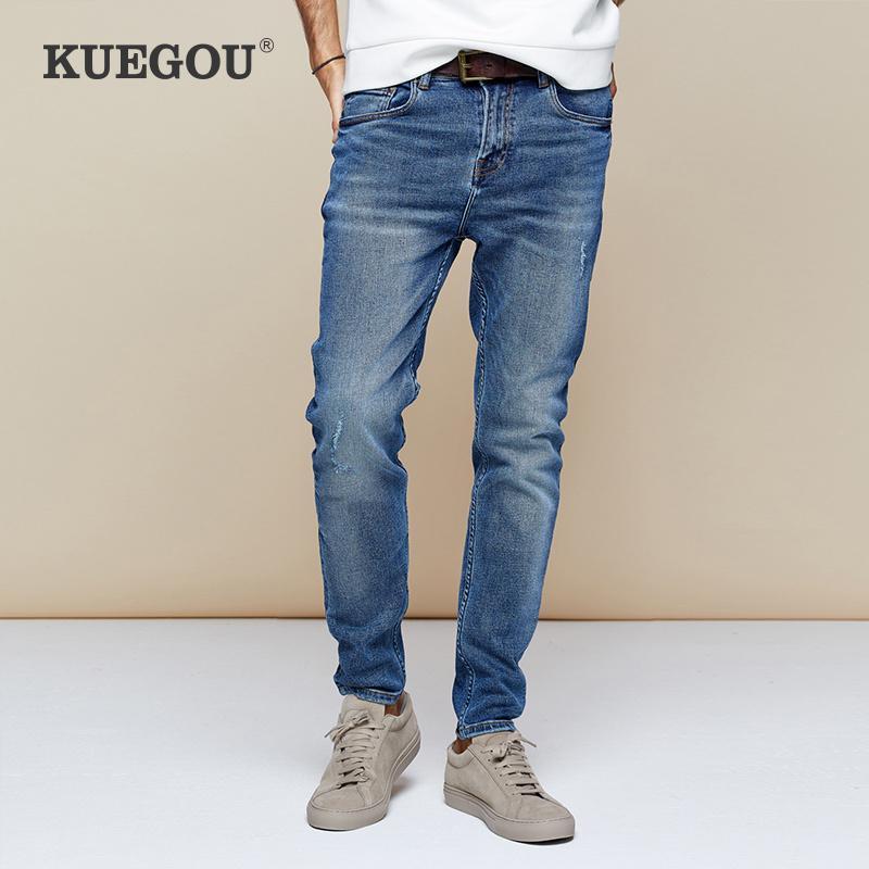 KUEGOU 2019 Otoño de algodón azul apenado Vaqueros ajustados hombres Streetwear Marca Slim Fit Pantalones vaqueros Hombre pantalones del estiramiento 2958 MX200814