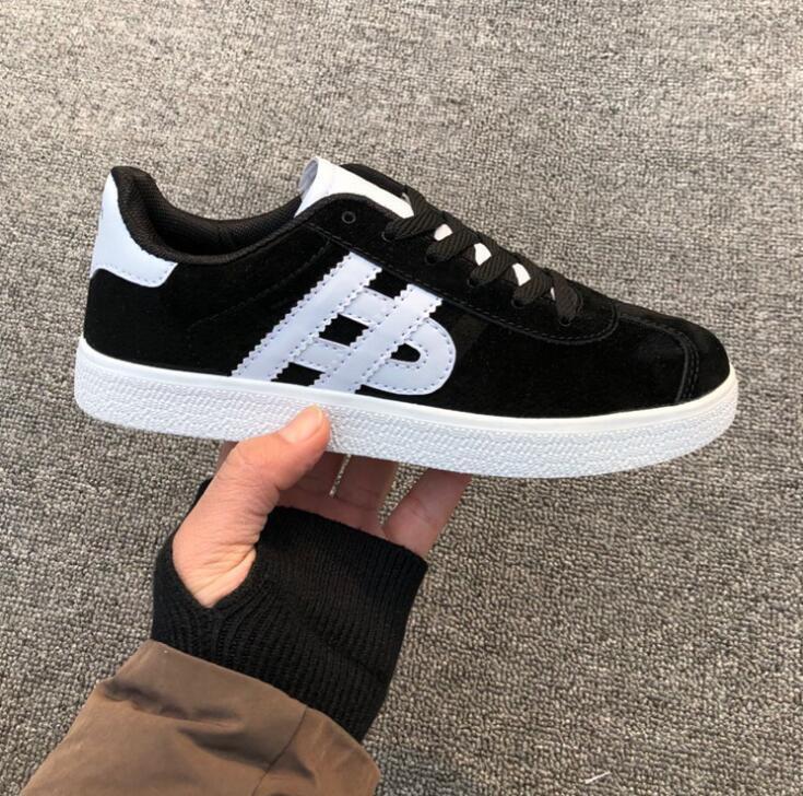 New Brand Homens e Sneakers das Mulheres Mocassins Moda Low Cut Lace-Up Black Vermelho Vermelho Azul Casual Ao Ar Livre Unisex Zapaots Andando Sapatos
