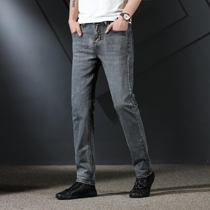 2020 neue Herren-Jeans-Modemarke und gerade dünner Sitz elastisch washed Jeans Sommer für Männer u5M3r