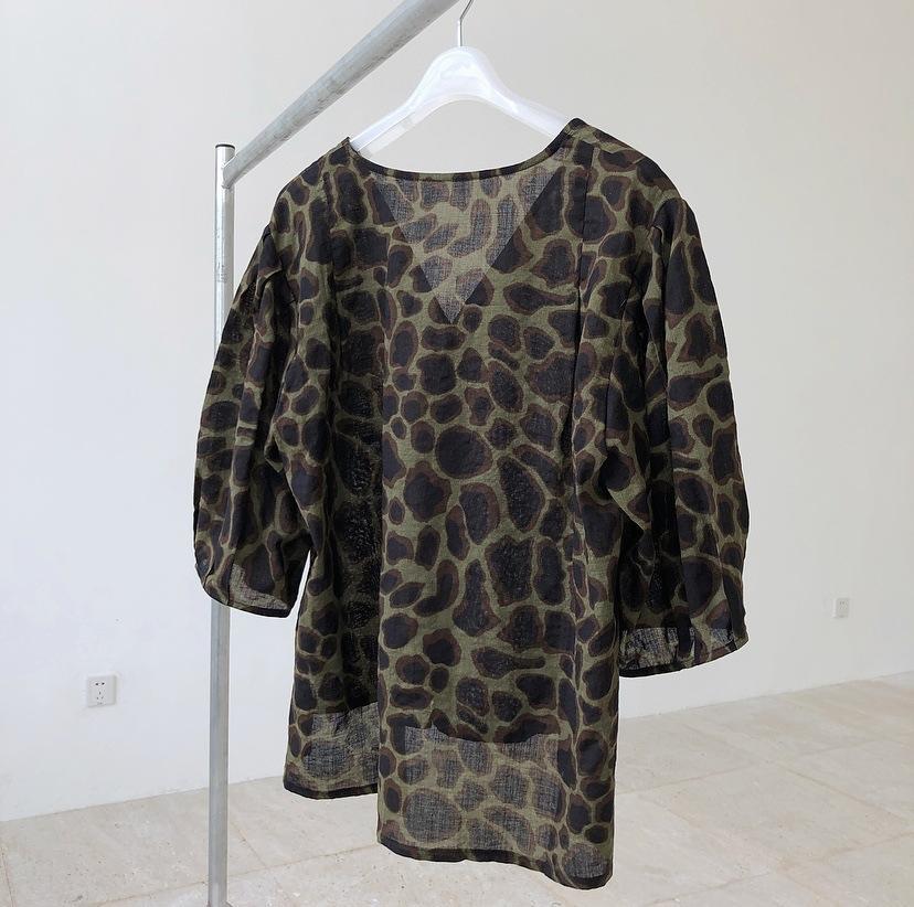 camicia H8Hjl nuova estate del manicotto della bolla alla moda del leopardo della stampa allentata mezza tutto-fiammifero camicia di dimagramento manica per le donne