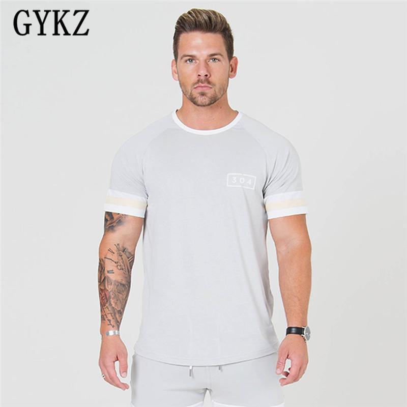 Мужские футболки GYKZ 2021 бренд одежды спортивные залы плотно футболки мужская фитнес Homme мужчины красные черные серые моды летние топы