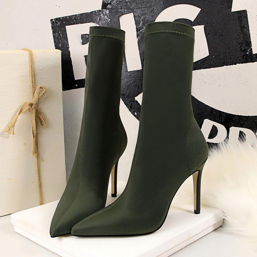 Hot Sale-printemps et du côté des femmes mode d'hiver de tissu en cuir bottes zip sangles croisées femmes bout rond talon plat chaussures Q2154