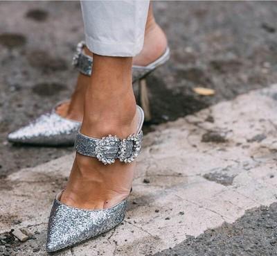 2020 donne eleganti scarpe causali col tacco alto di cristallo Ornata a punta Sandali con tacco scarpe pantofole da sposa