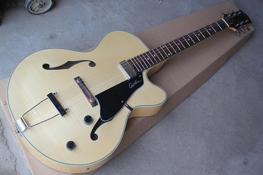 Fábrica personalizado oco de madeira Natural Color Guitarra elétrica com Flame Bege Veneer, Chrome Hardware, Black Pickguard, pode ser personalizado