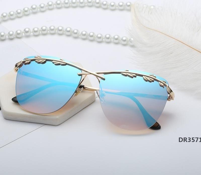 2019 Sonnenbrille Frauen Olivenblatt Street Fashion Trend Street Style Sonnenbrillen Frauen übergroße Sonnenbrillen Gothic Vintage-GlassDR3571