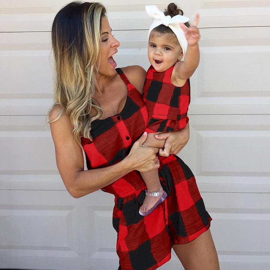 Anne Kız Aile Tasarımcıları Kolsuz Tulum Anne Ve Kızı Romper Kadınlar Bebek Kız Moda Ekose Aile Maç Kıyafetler Giyim LY824