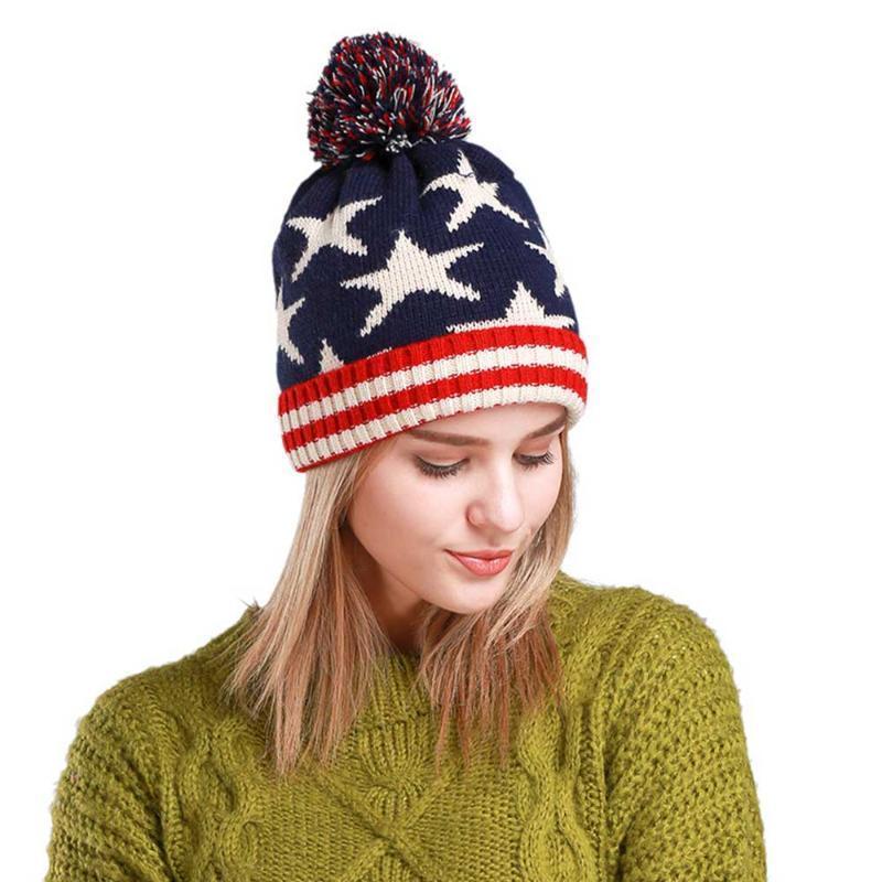 2020 Le nuove donne di lavoro a maglia calda inverno cappelli del Beanie delle donne della stella Baggy elastico Pompon Berretti Cappello Stella Stampa Stripes Bonnets