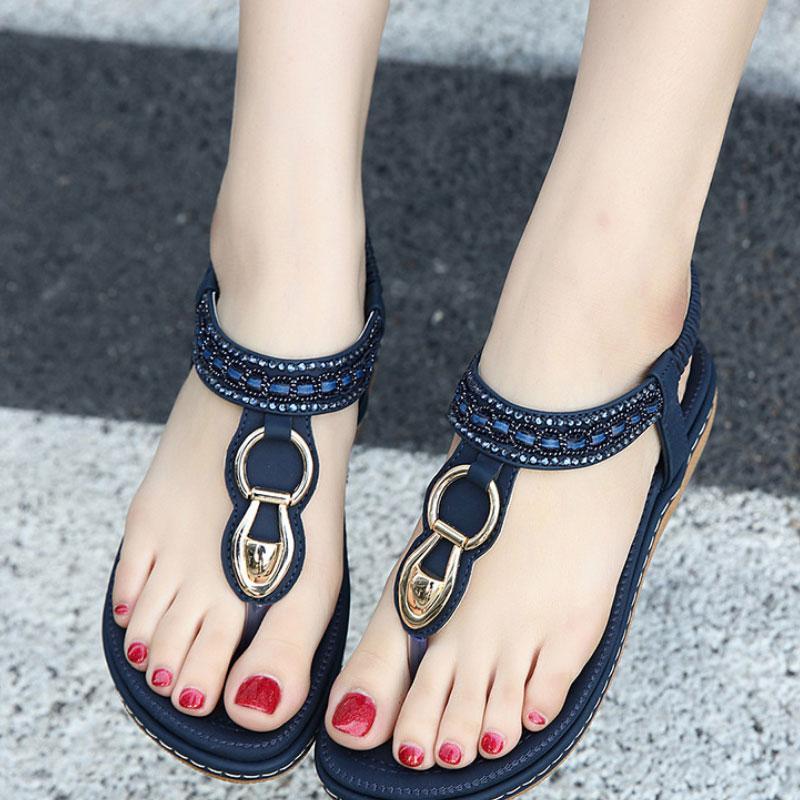 Женские сандалии Бич металла Rhinestone плоские туфли Женская обувь Повседневная Розовый Синий Open Toe Femme Мода Квартиры Плюс Размер 35-42