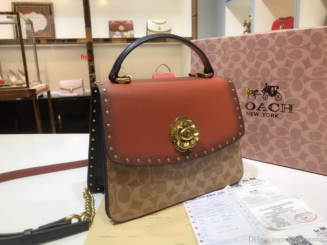 çanta size23 * 18 * 10cm yönlü Bayanlar çanta yeni perçin kamelya bayanlar çanta