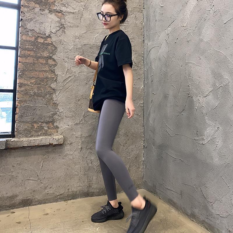 hgDys Primavera fino firmemente leggings desgaste apertadas calças de emagrecimento das mulheres exteriores calças cinza até os tornozelos à prova de seda 2020 leggings impressos coreano