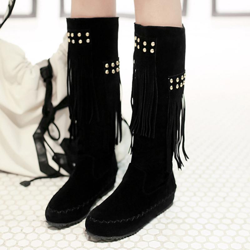 Mulheres botas quentes Longo Inverno Bota Feminino Rodada Toe Low Heel calçados casuais das senhoras da forma suave Flock deslizamento Tassel Rivet Botas
