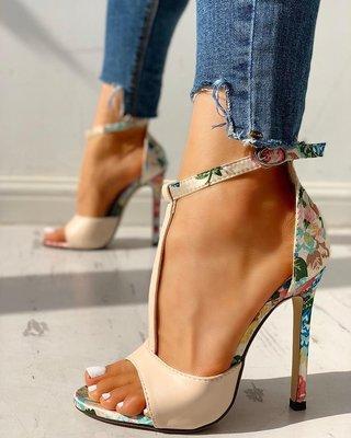 2020 modelos de explosión de los zapatos grandes americanos de comercio exterior de las mujeres del tamaño de Europa y de la boca baja acentuada de ultra sandalias del alto talón