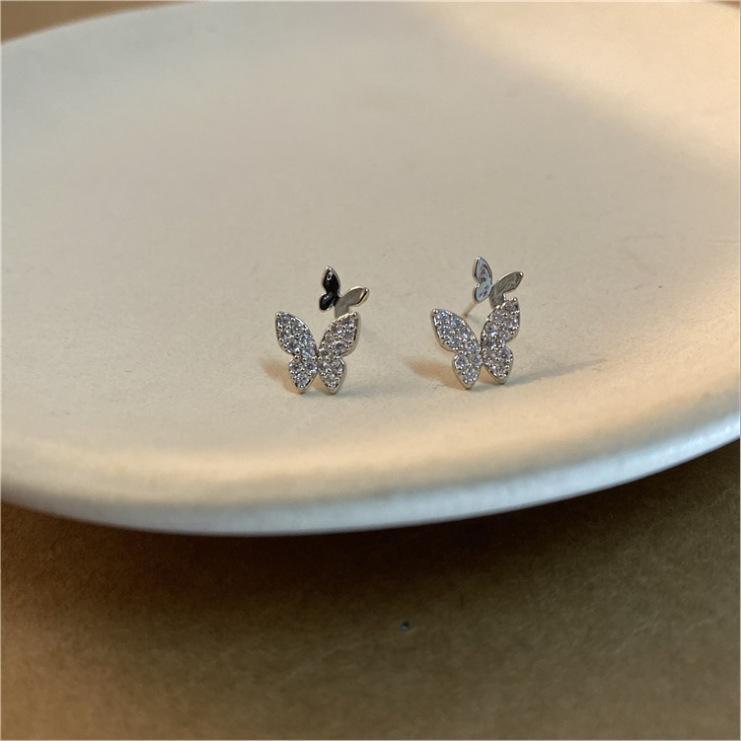 925 coreana Dongdaemun stessa farfalla e fate super mini orecchini farfalla intelligenti in linea popolari eleganti piccoli orecchini dolci per le donne WD
