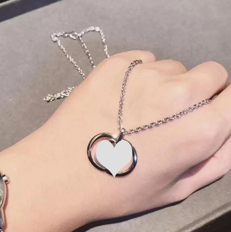 Moda carta temperamento collar de mujer S925 carta colgante de plata esterlina cadena de clavícula salvaje simple partido regalo