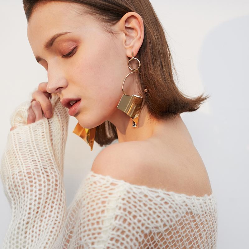 Vente Hot Fashion Boucles d'oreilles Big Circle Femme Mode surdimensionnée Atmosphere personnalité Rétro Boucles d'oreilles