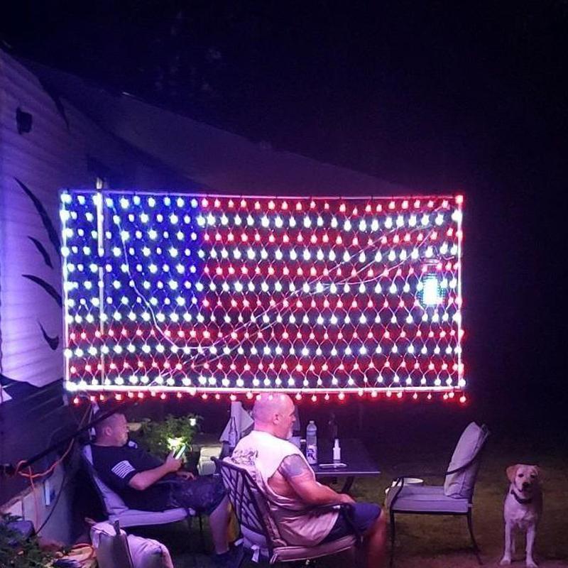 110V 30V-120V American Flag String Lumières 6.5ft * 3.3ft LED Strip Light USA Drapeau Net Lights Suspending Ornements IP44