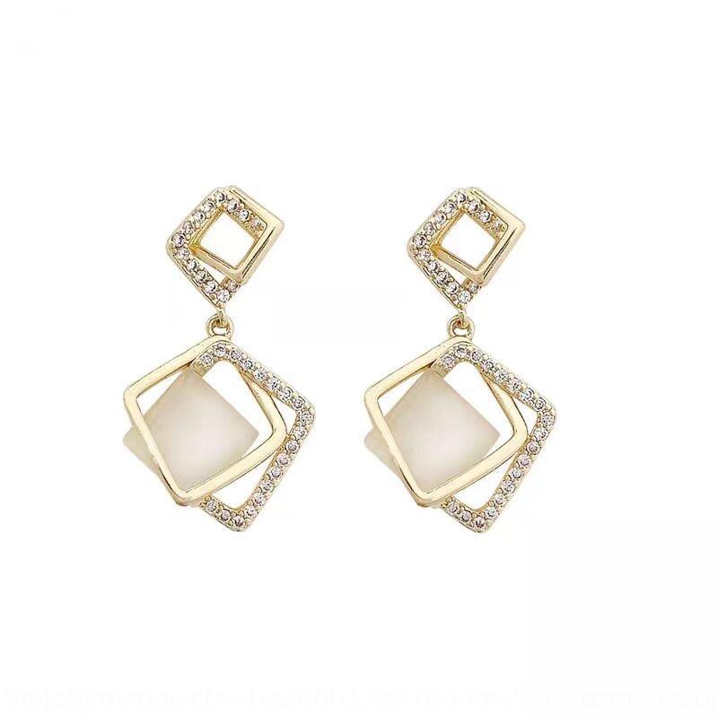 Al estilo coreano pendientes pendientes de la aguja de plata de las mujeres de gama alta con forma de diamante geométrica y 2020 nueva moda en línea rojo largo