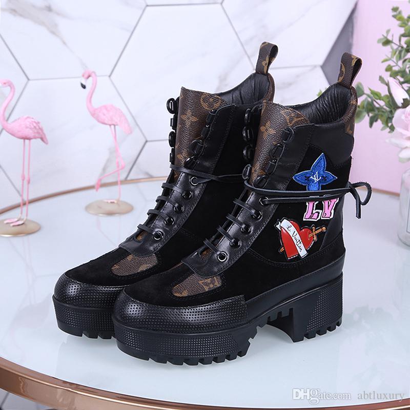 Bottes hiver Bottines Chaussures mode pour femmes Luxury Design Chaussures De Femme Martin Bottes Lady Souliers simples de luxe Party