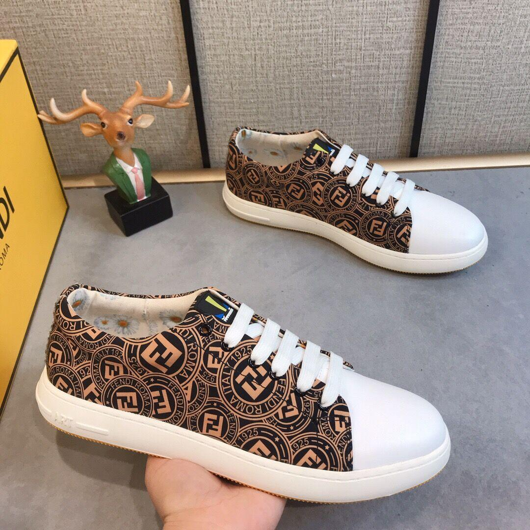 Brown Herren Designer-Schuhe neuester Entwurf Männer Schuhe Streetwear beiläufige Art und Weise Luxus im Freien laufen Männer Schuhe