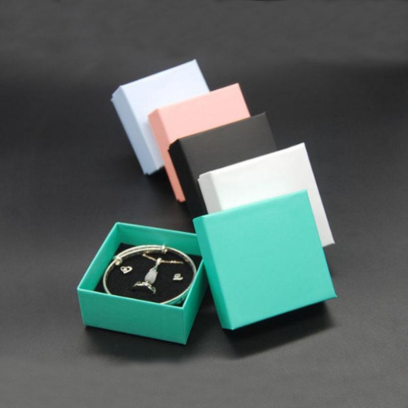 Коробка для ювелирных изделий 7,5 * 7,5 * 3.5cm кольцо серьги Упаковка коробки ожерелье Box площади ювелирных изделий Организатор Box Подарочные коробки для хранения T200808