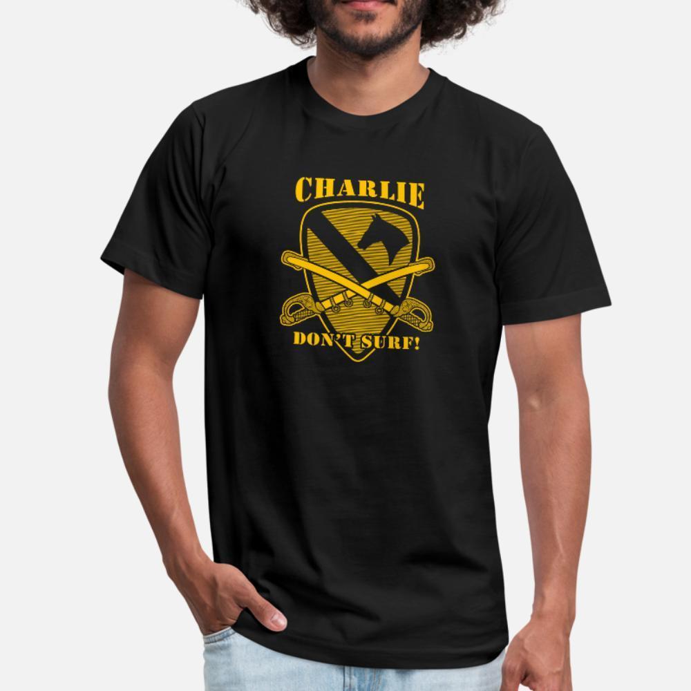 Apocalypse Now cito Charlie Don T Surf camiseta homens Collar malha manga curta em torno da novidade Fit engraçado Casual camisa Primavera Carta Outono