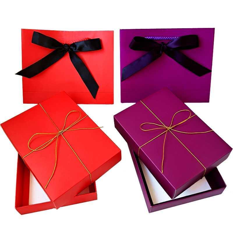 Cadeau cadeau 50pcs / lot Personnalisé logo autocollant de papier kraft papier carton emballage boîte boîte aux lettres vêtements