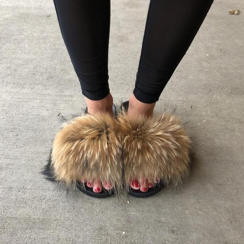 Pantoufles en peluche pour femmes d'hiver Chaussures à domicile à fourrure à fourrure chaude Chaussons de fourrure pour femmes Diapositives Flip Flops Sandales moelleuses