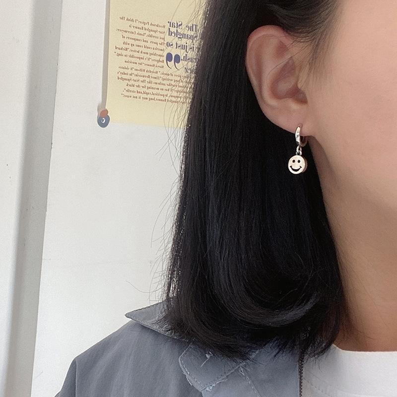 eSbox japonais et coréens S925 visage en argent sterling et anneaux eardrops personnalisés créatif oreille anneaux nouvelle oreille de niche de la mode
