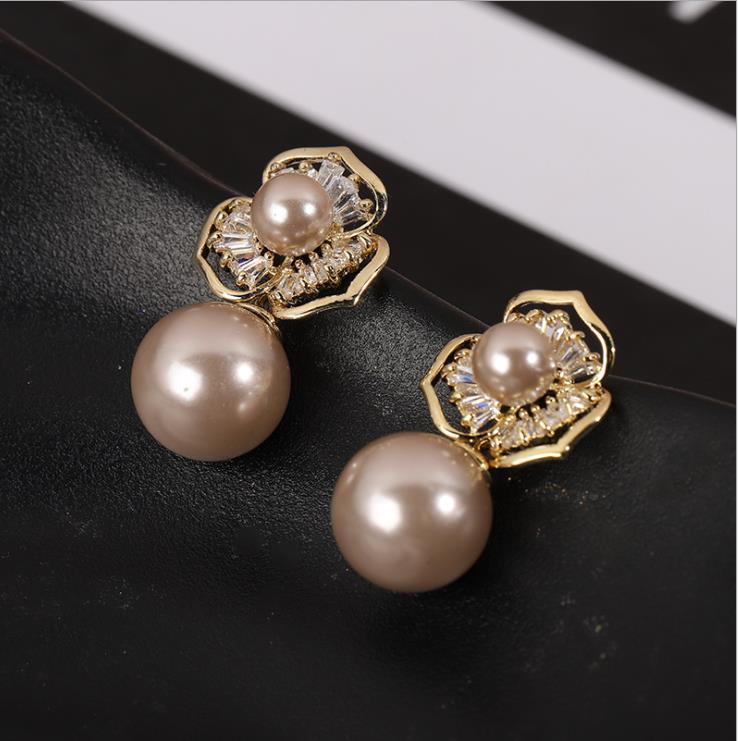 Старинные замки хит Классический латунные ожерелья идут с каждой тенденции моды