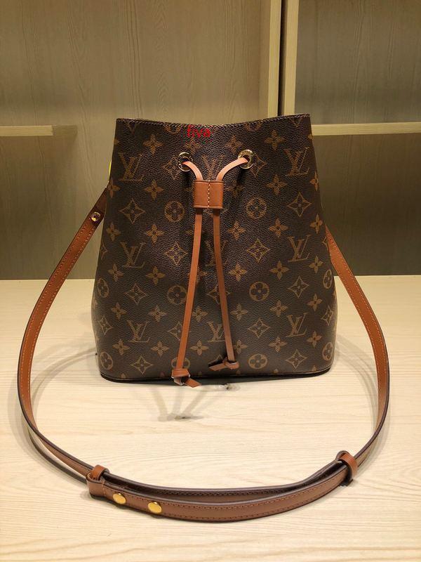 Çıkarılabilir 1 uzun omuz askısı ile klasik bayan alışveriş çantası 7A high-end özel kalite kova çanta moda stil altın metal aksesuarlar