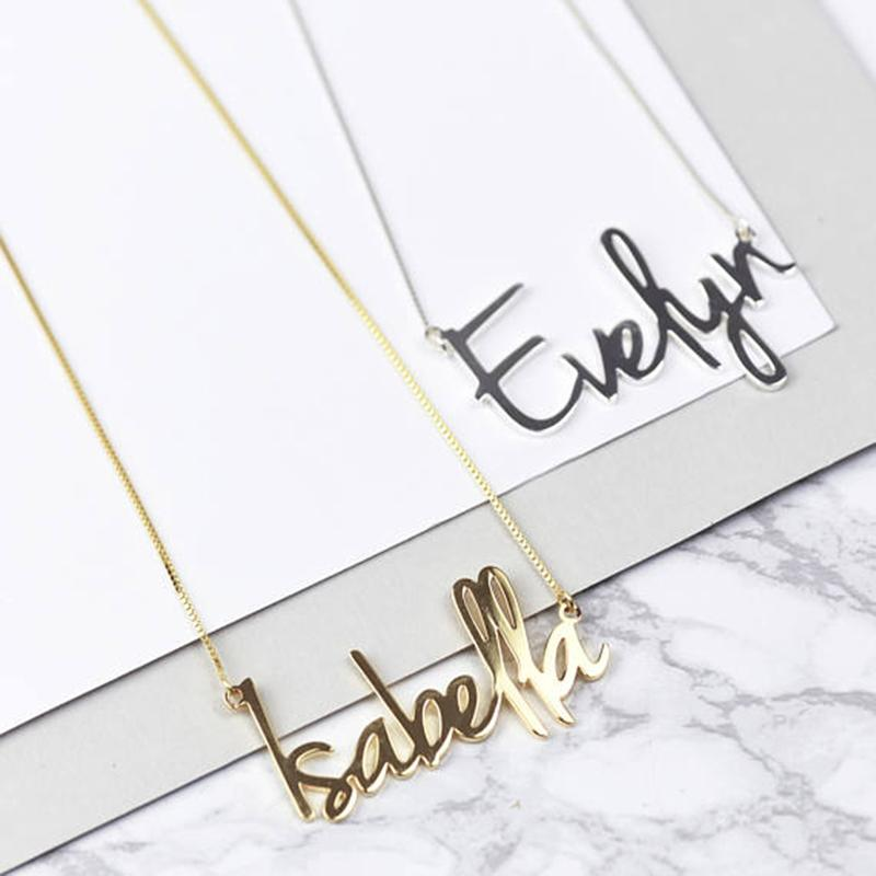 Per la moda personalizzata Carrie nome stile ciondolo collana donne oro personalizzato qualsiasi nome catena di aggancio dei monili dell'acciaio inossidabile regalo Y200810
