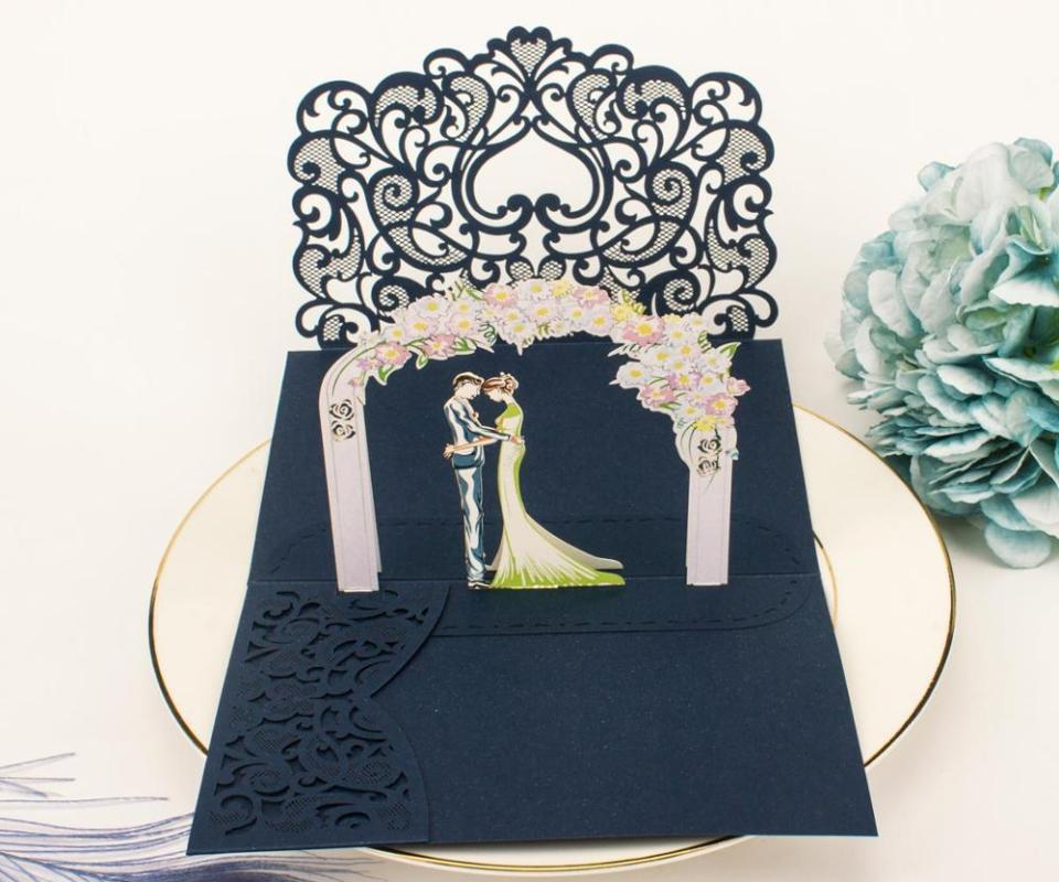 Kostenloser Versand 1x 3D-UP-Karte Gold grau tri 3 Falztasche Einladungs-Karte Wedding Laser-Schnitt mit Umschlag Einladung Gruß