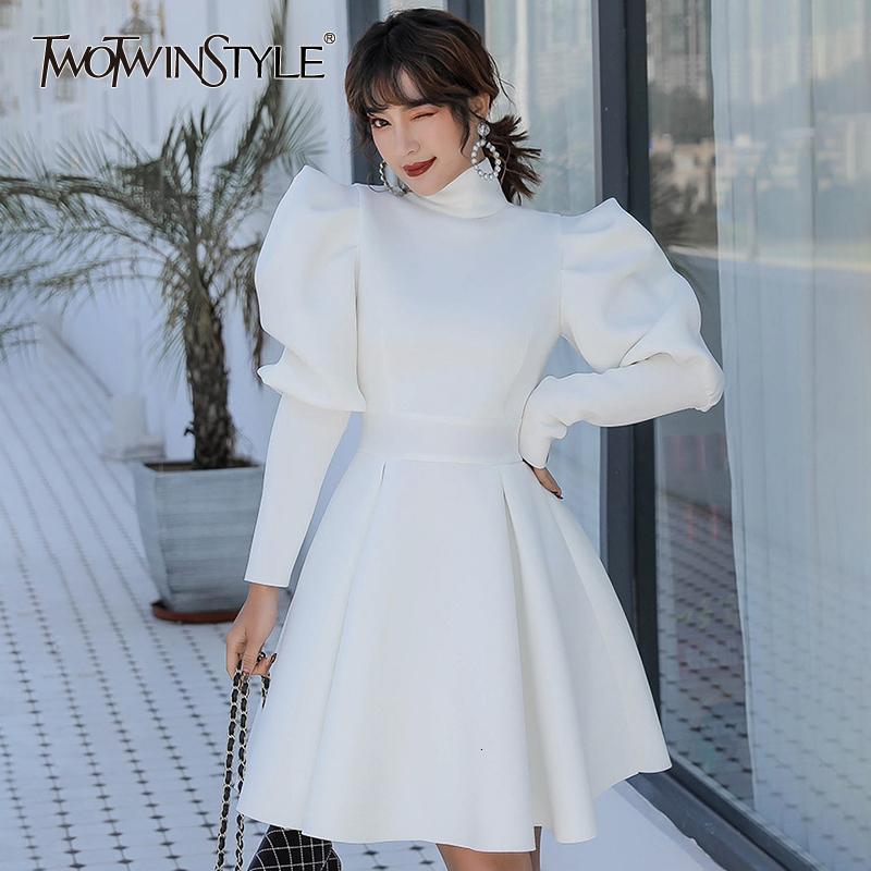 TWOTWINSTYLE elegante Kleider für Frau Turtleneck Puff Langarm mit hohen Taille Rüschen dünner Frauen-Kleid 2020 Mode Kleidung MX200804