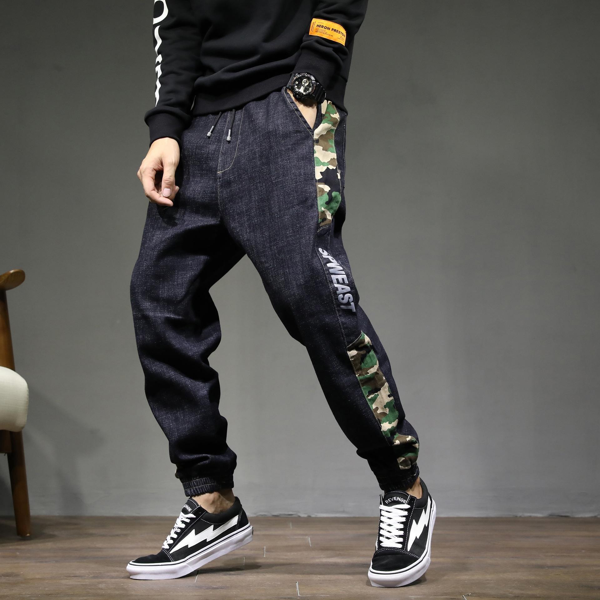 Harlan que cosen los pantalones de mezclilla tobillo nuevos de marca de moda de los hombres del resorte de los hombres pierden de gran tamaño tramo Harlan pantalones de camuflaje costura lW