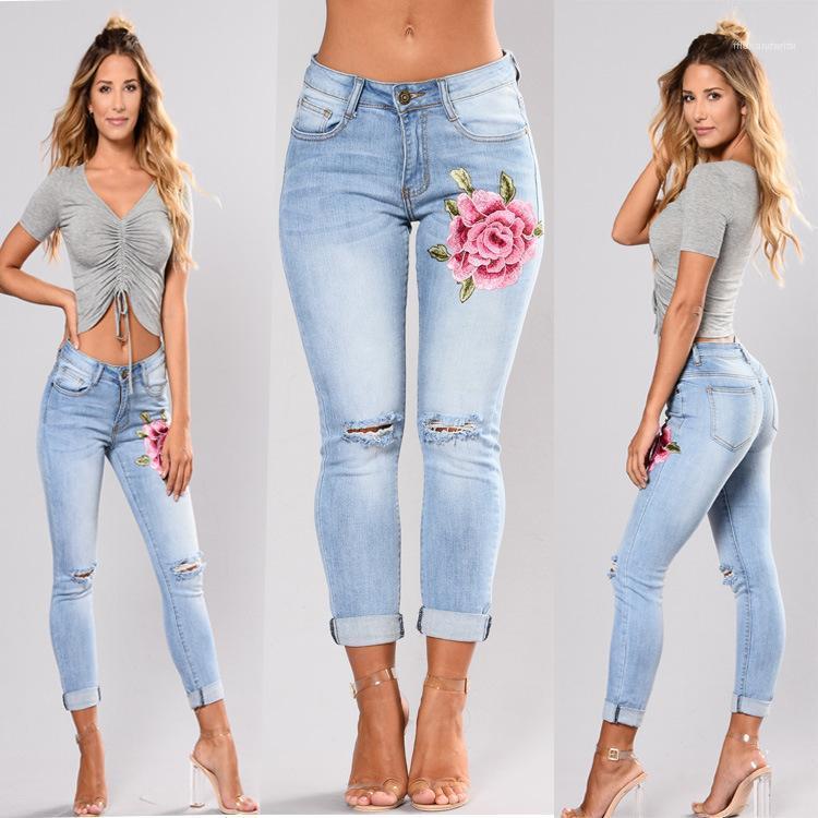Джинсы Famale Брюки женские цветка Вышитые Натяжные джинсы Slim Fit Мода Светло-голубой Измельченный высокой талией