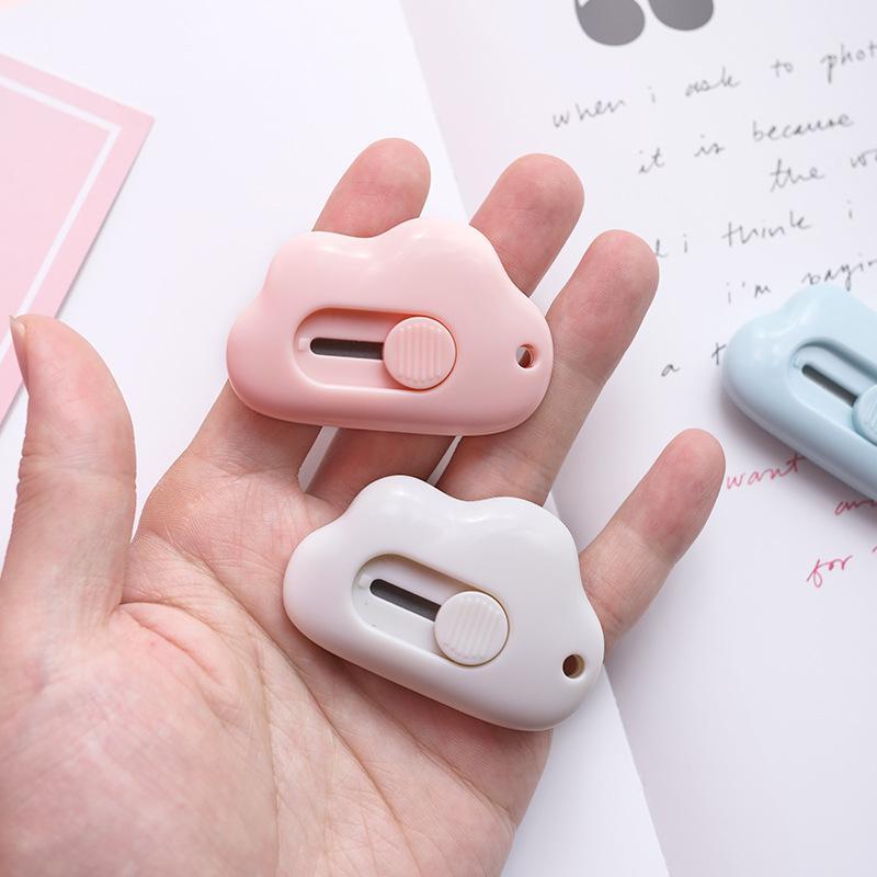 Carino Forma Nuvola Mini portatile Utility Knife taglierina della carta di taglio di carta Lama di rasoio Ufficio rifornimenti di taglio