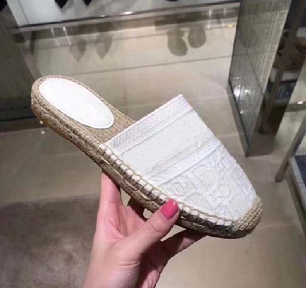 Kutu Sneaker Günlük Ayakkabılar Eğitmenler Moda Spor Ayakkabıları Yüksek Kalite Deri Çizme Sandalet Terlik Vintage Hava İçin Kadın 02DA1601 2020R ile