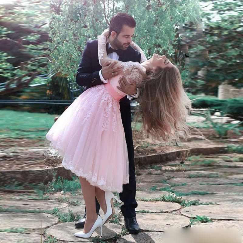Uzun Kollu Mezuniyet Elbiseleri Aplike Dantel Kısa Kokteyl Elbise ile Sashes Balo Parti Elbise Plus Size vestidos de Fiesta 2020