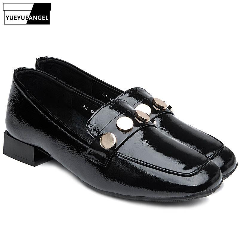 Marca remache de las mujeres superficiales planos del cuero genuino los zapatos Resbalón de los holgazanes ocasionales mocasín Gommino cómodos del dedo del pie zapatos de la señora Square