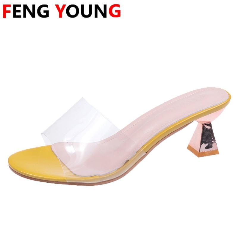 Calçados Femininos Mulher mulas 2020 New cristal Chinelos Moda Verão Sexy Ladies Chinelos de Spike sapatos de salto alto Slides
