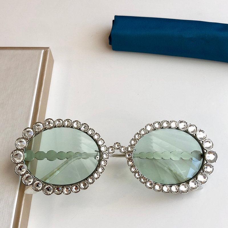 женщины дизайнер солнцезащитных очков 0620 инкрустированный сверкающий кристалл алмаза небольшой овальной рамы качества топ UV400 очки Модные солнцезащитные очки 2020