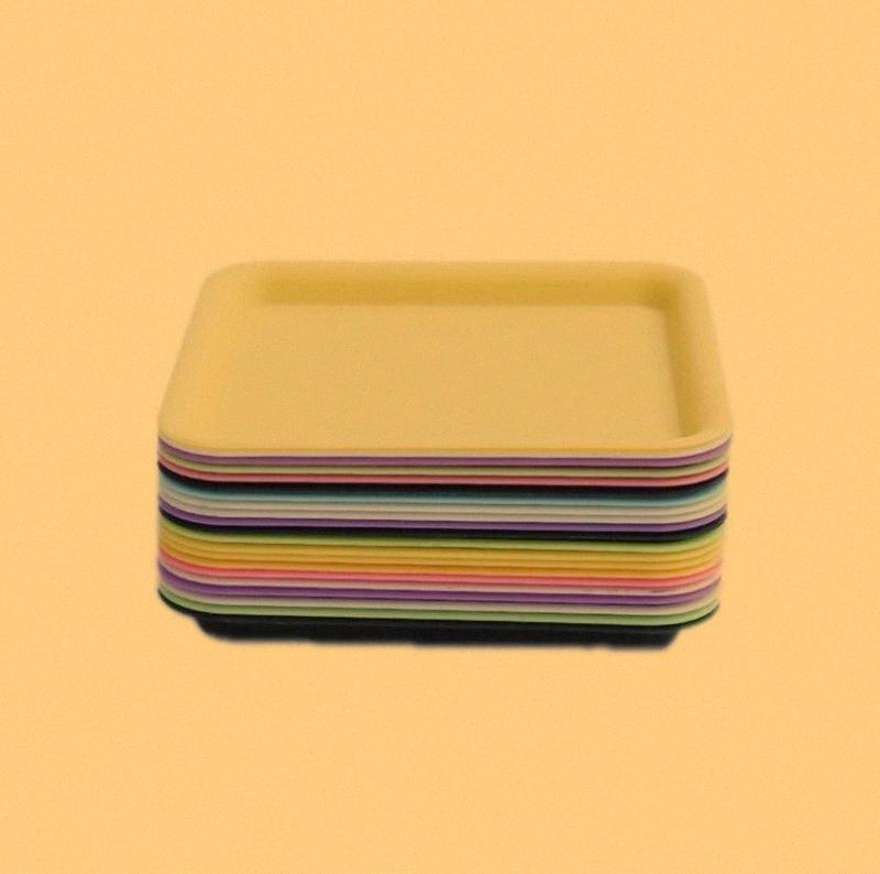 Bunte quadratische tragbare Kunststoff Mini Preroll- Scroll-Rolle Cigarette Trayhalter Dry Herb Tabak Grinder Rauchen Platte Hot Kuchen DHL N5DL #