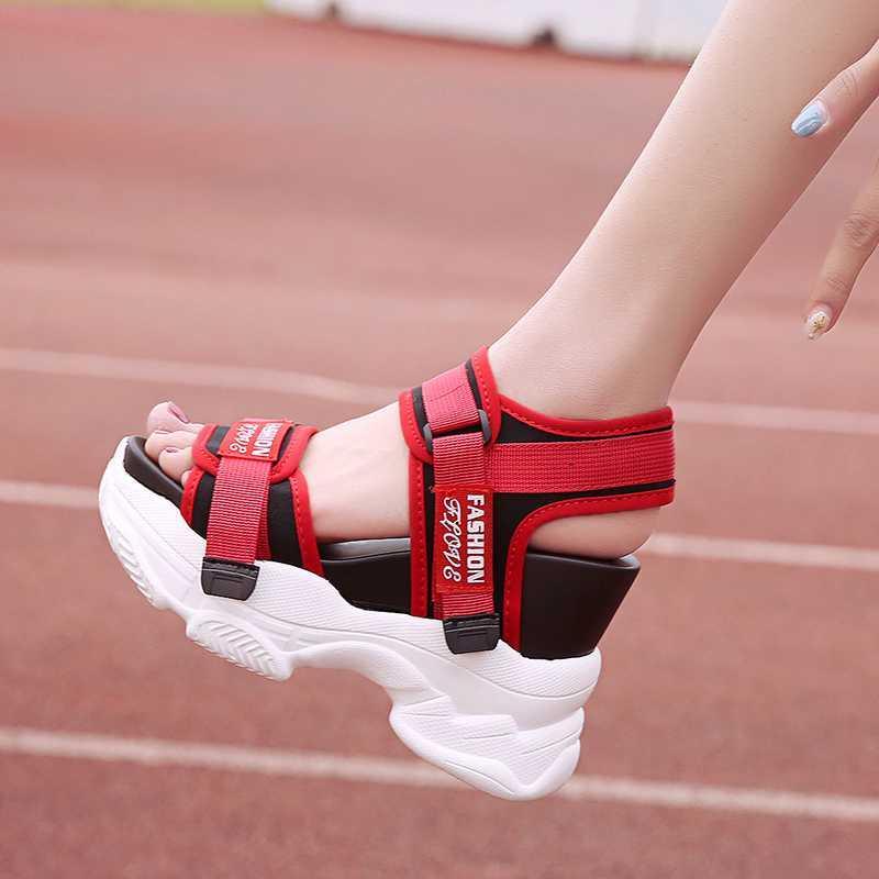 Le donne della piattaforma dei sandali di modo di marca sandalo robusto 11 centimetri Super High Heels Donna Casual Scarpe Sport Donna Sandali con zeppa Estate