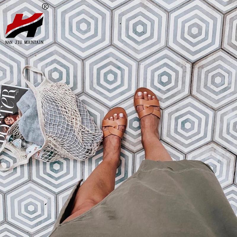 NAN JIU ГОРА плоские сандалии летом женские тапочки кожа Удобная Подошва Креста Weave 8 цветов Женщина обувь Сплошной цвет