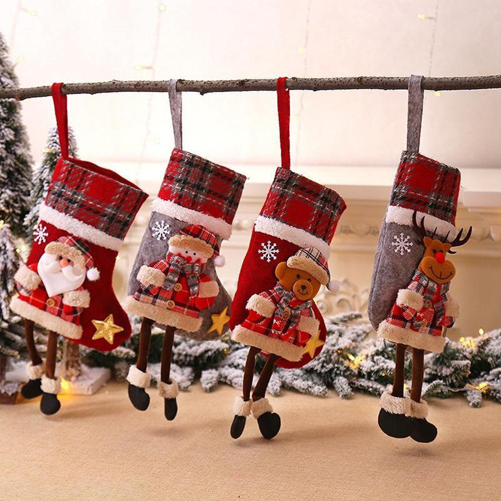 Arbre de Noël Chaussettes de Noël Plaid Cartoon Doll Adornment Pendentifs Père Noël Pendentifs Fireplace Cadeaux mignons de Noël