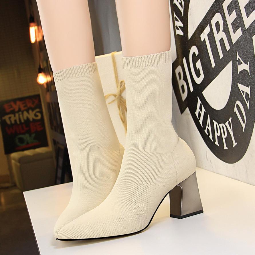 2020 İlkbahar Moda Kadınlar Boots Bej Sivri Burun İplik Elastik Bilek Boots Kalın Topuklar Ayakkabı Sonbahar Kış Bayan Çorap Çizme W889